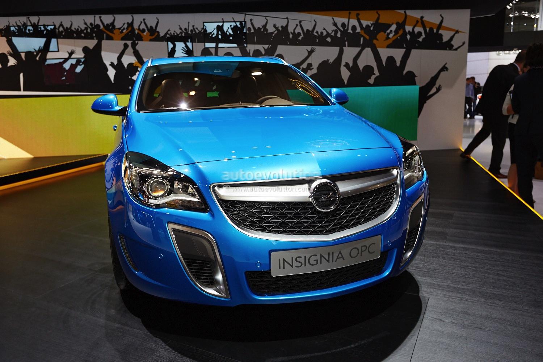 Frankfurt 2013: Opel Insignia Sports Tourer OPC Facelift