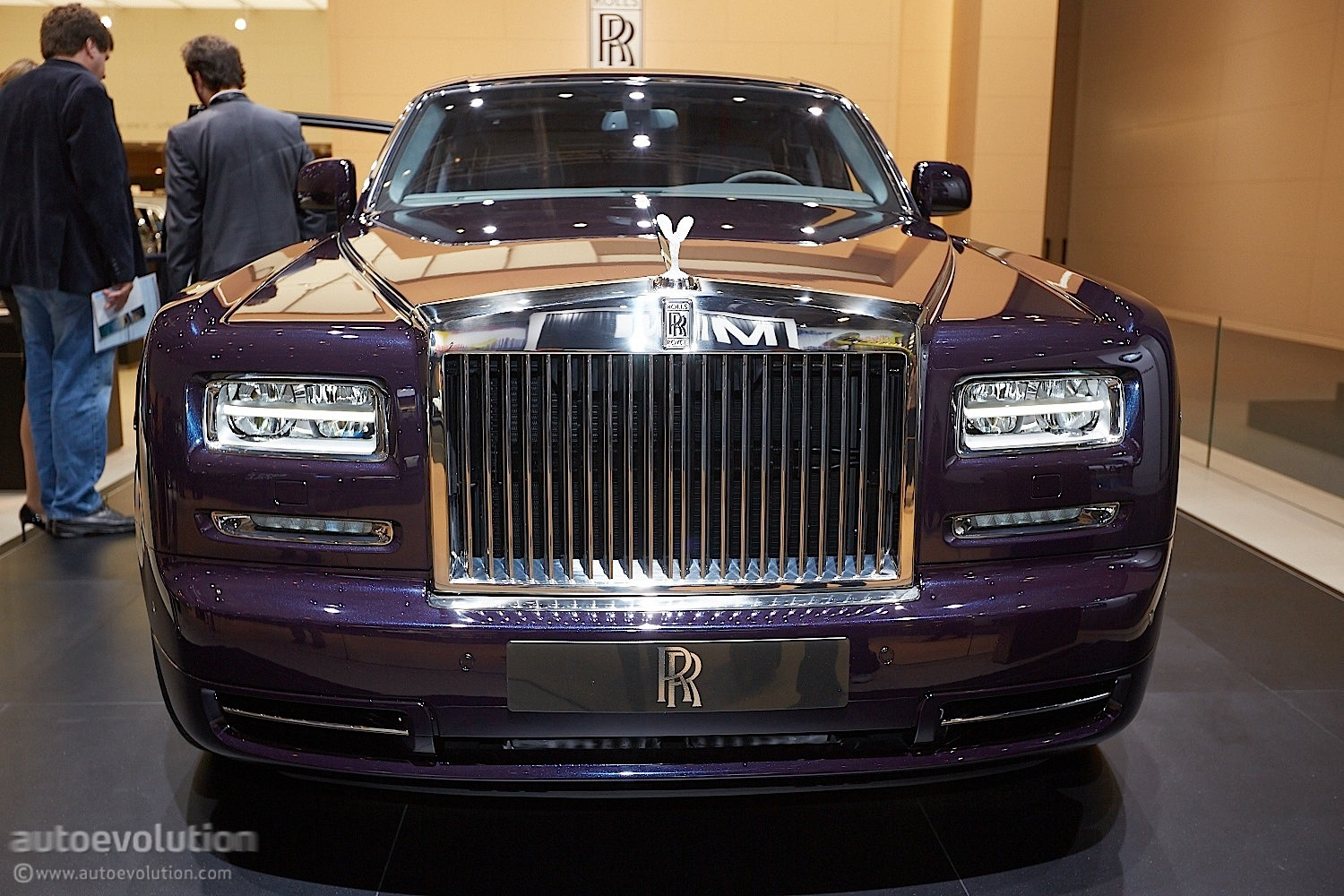 frankfurt 2013 rolls royce celestial phantom debut. Black Bedroom Furniture Sets. Home Design Ideas