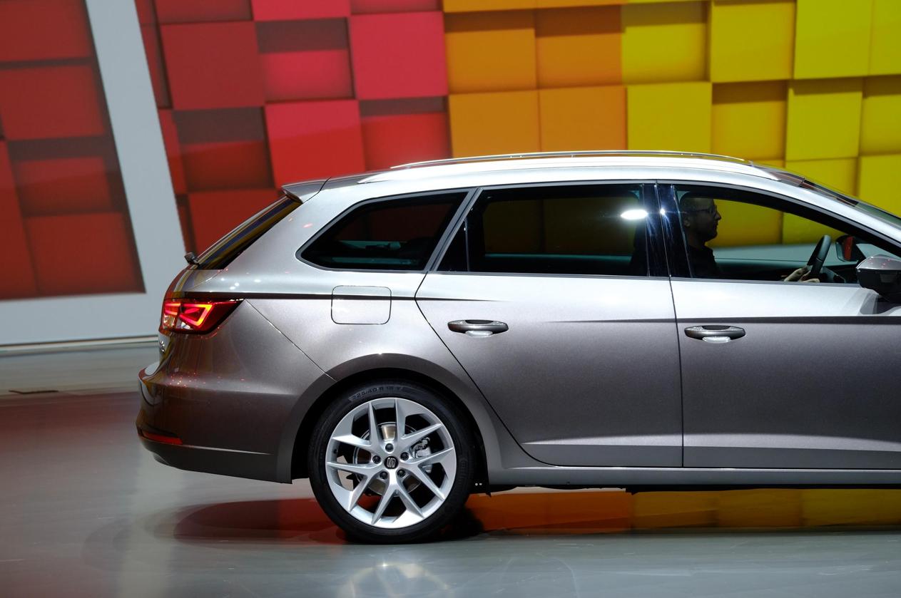 Frankfurt 2013: SEAT Leon ST FR, New 1.6 TDI Ecomotive ...