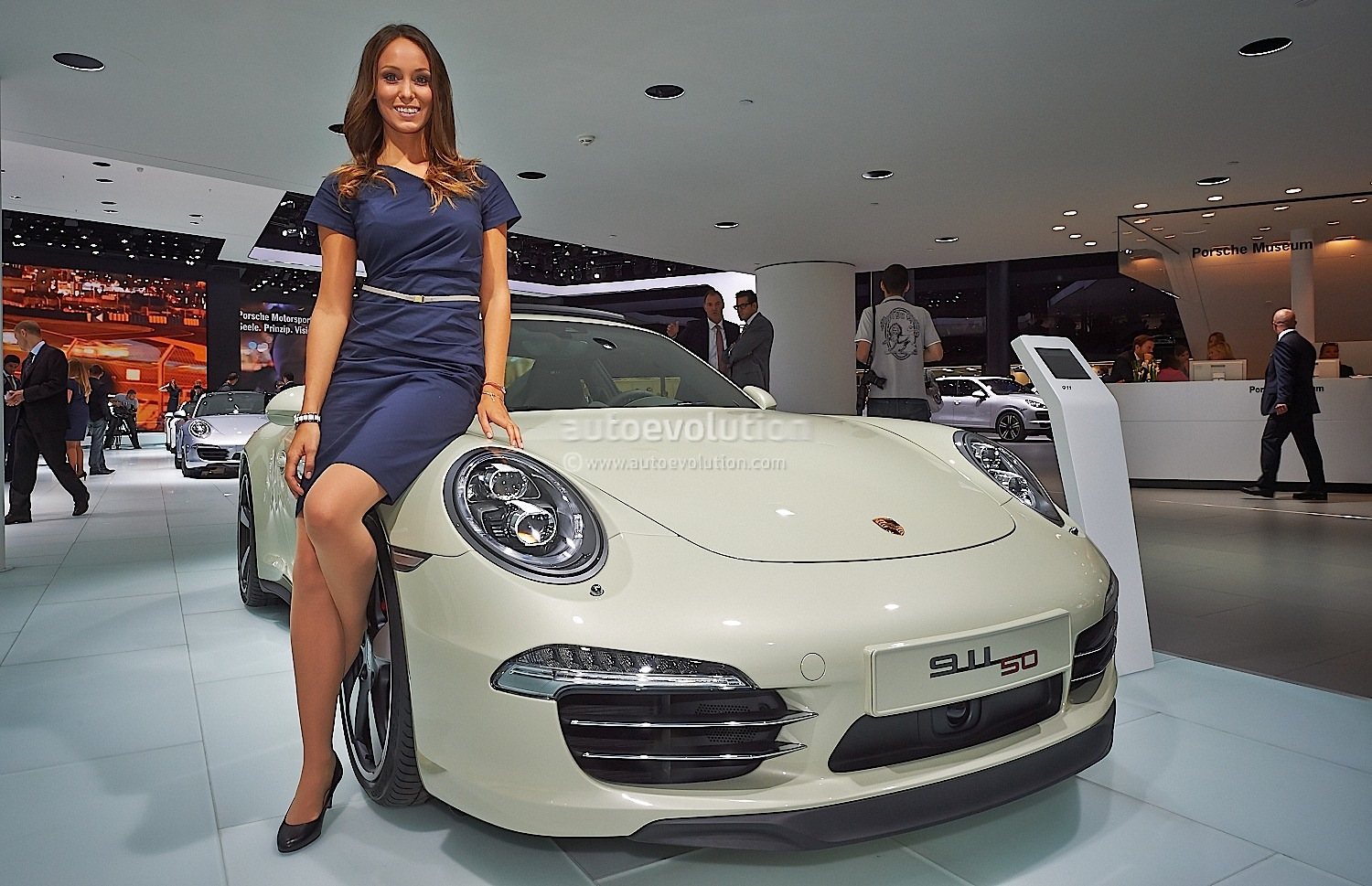 Frankfurt 2013 Sexy Girl Makes 911 50th Edition Look Good