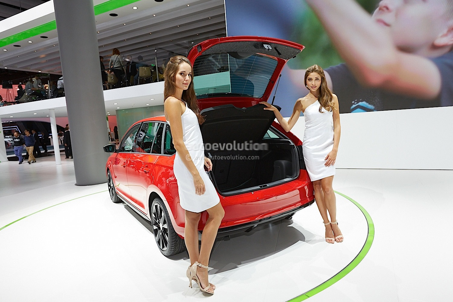 frankfurt 2013 skoda rapid spaceback live photos. Black Bedroom Furniture Sets. Home Design Ideas