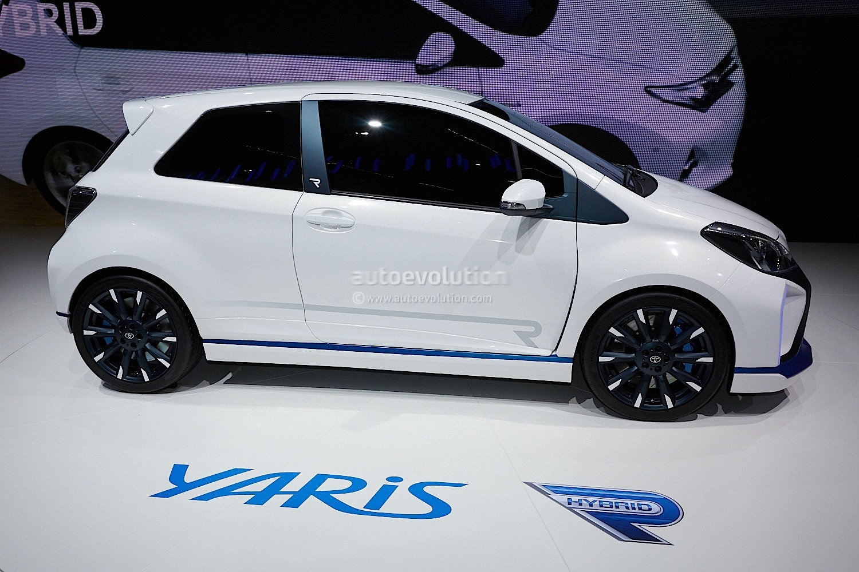 Frankfurt 2013 Toyota Yaris Hybrid R Concept Live Photos