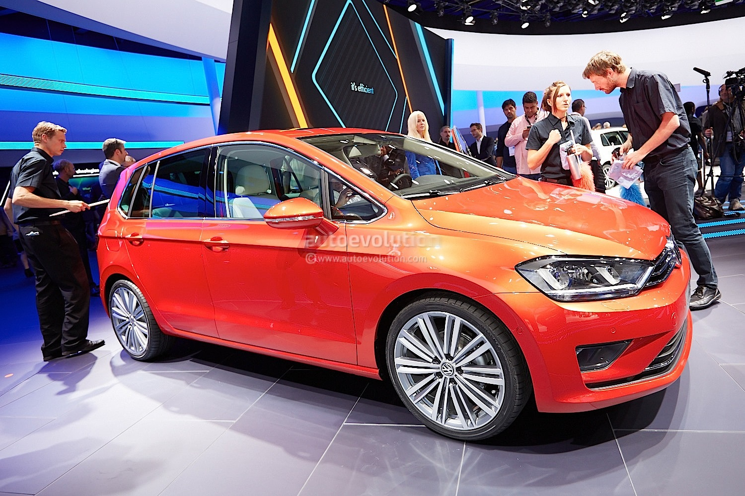 Frankfurt 2013: Volkswagen Golf Sportsvan Concept Previews Next Golf Plus [Live Photos ...