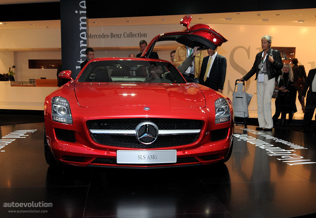 frankfurt auto show mercedes benz sls amg live photos autoevolution. Black Bedroom Furniture Sets. Home Design Ideas