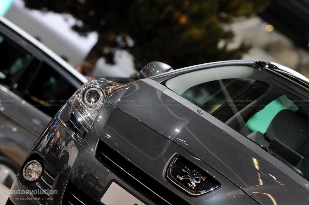 Frankfurt Auto Show: Peugeot 5008 [Live Photos] - autoevolution
