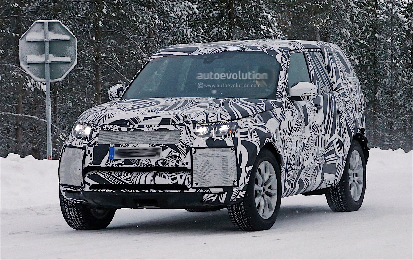 land rover defender 2018 spy shots. modren defender 2017 land rover discovery prototype spy shots  inside land rover defender 2018 autoevolution