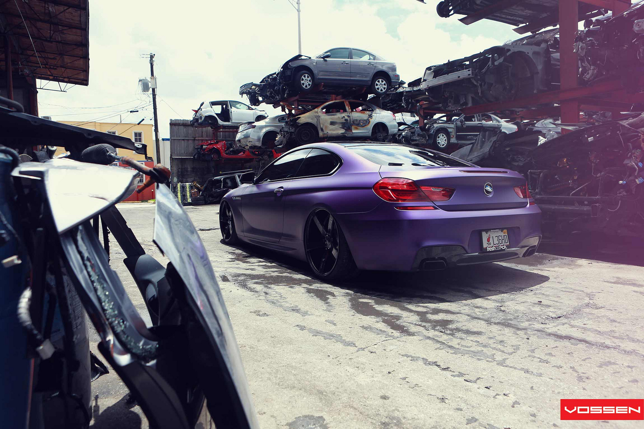 Frozen Purple Bmw 6 Series Coupe Does Photo Shoot In Scrapyard Autoevolution