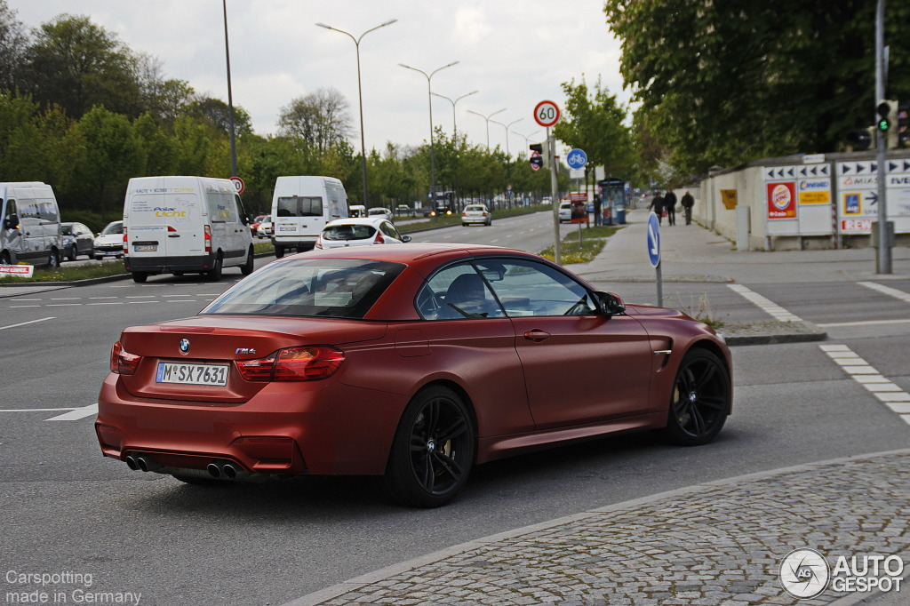 frozen red bmw m4 convertible spotted in munich autoevolution. Black Bedroom Furniture Sets. Home Design Ideas
