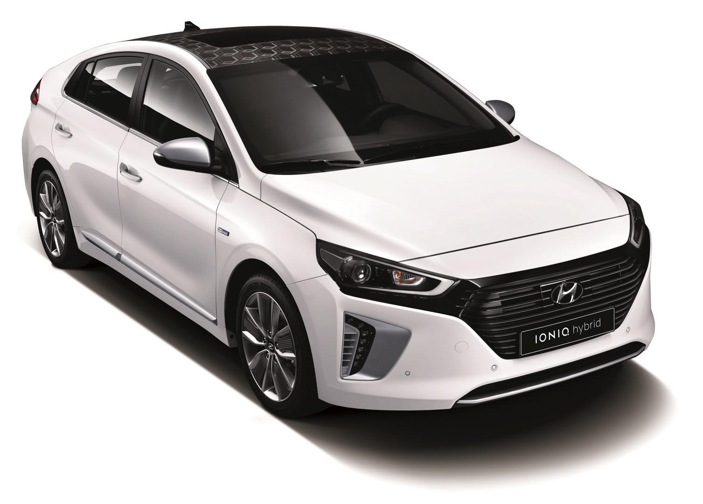 Fuel Economy Wars 2017 Hyundai Ioniq Beats Toyota Prius Bmw I3 Chevrolet Bolt Autoevolution