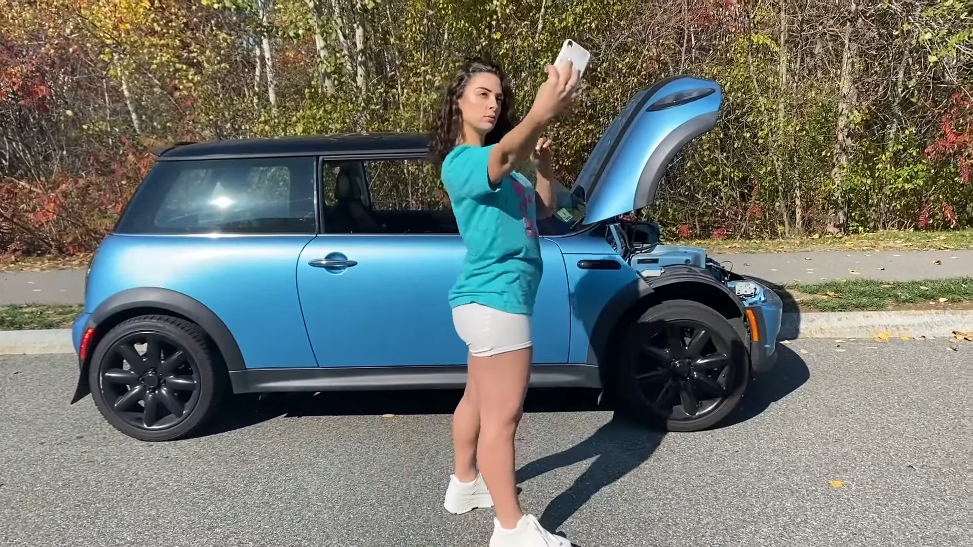 Funny And Instructive Gearhead Has 5k To Convert Blown Engine Mini Into An Ev Autoevolution