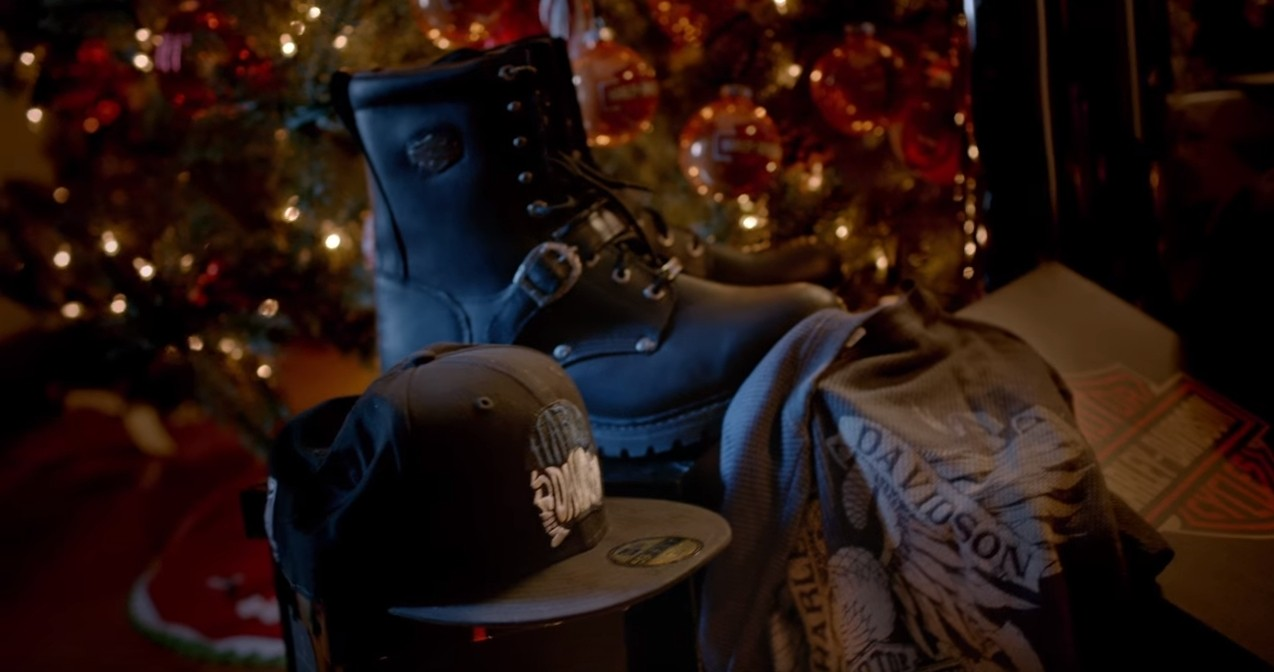 Funny Christmas Harley Commercial Teaches Guys To Be