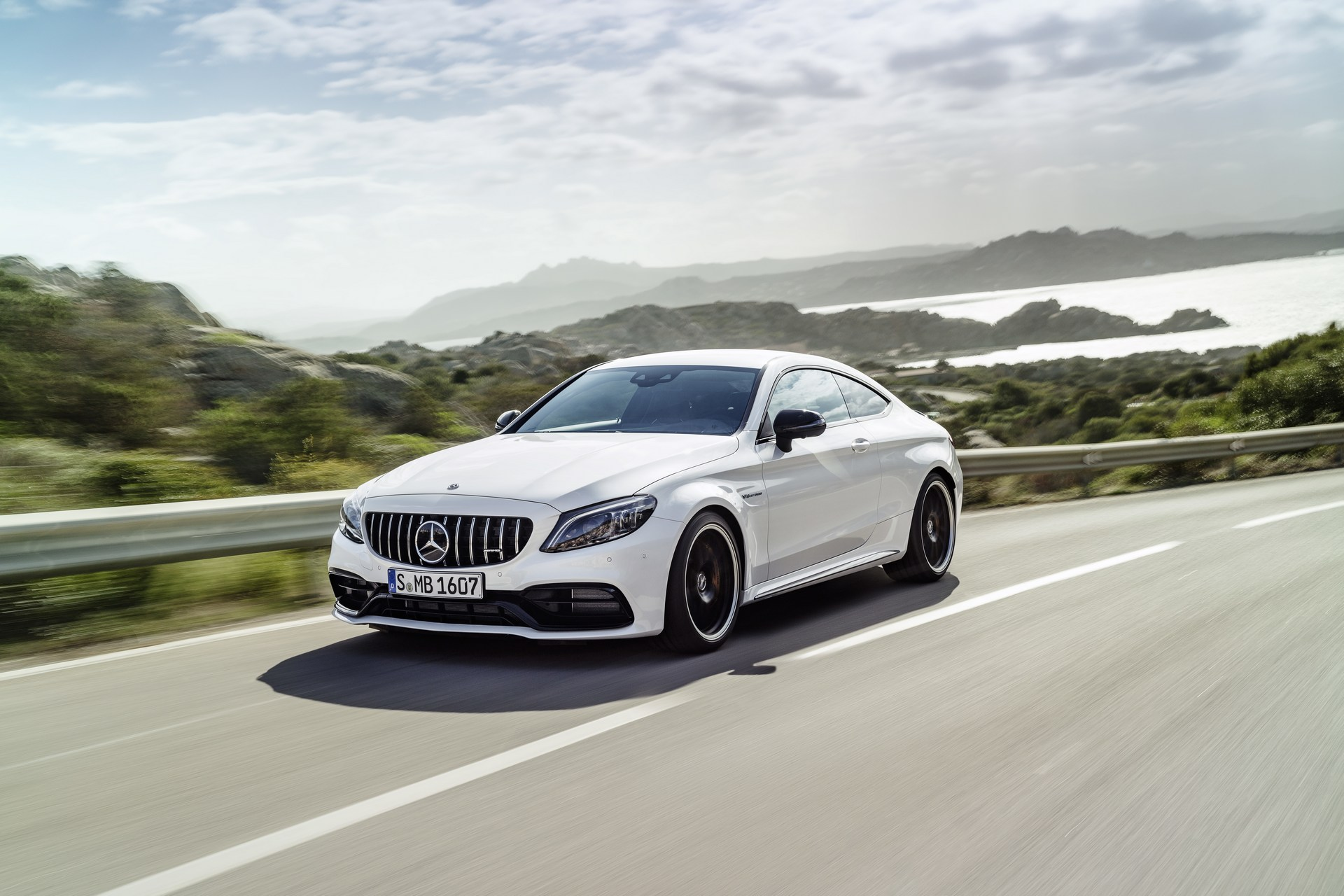 future-mercedes-amg-c63-will-be-hybrid-4matic-awd-also-considered_4.jpg