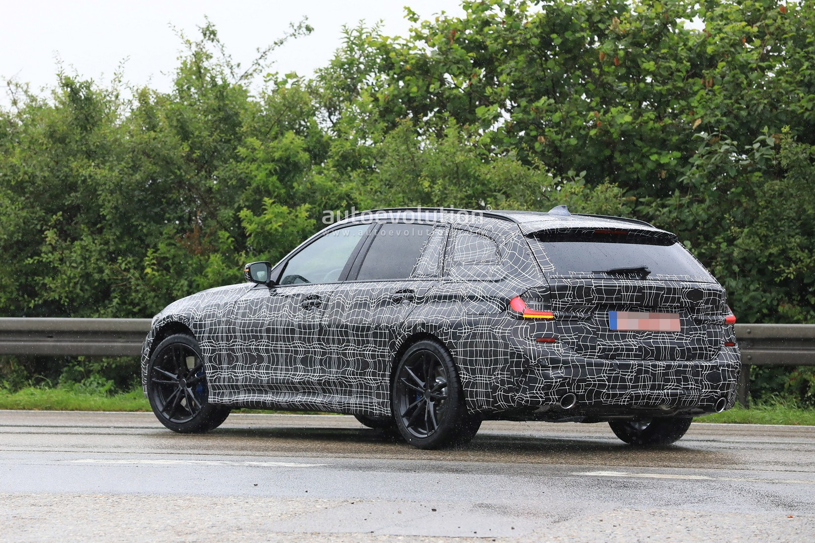 New Bmw 7 Series >> G21 BMW 3 Series Wagon Spied in Detail With M Sport Body - autoevolution