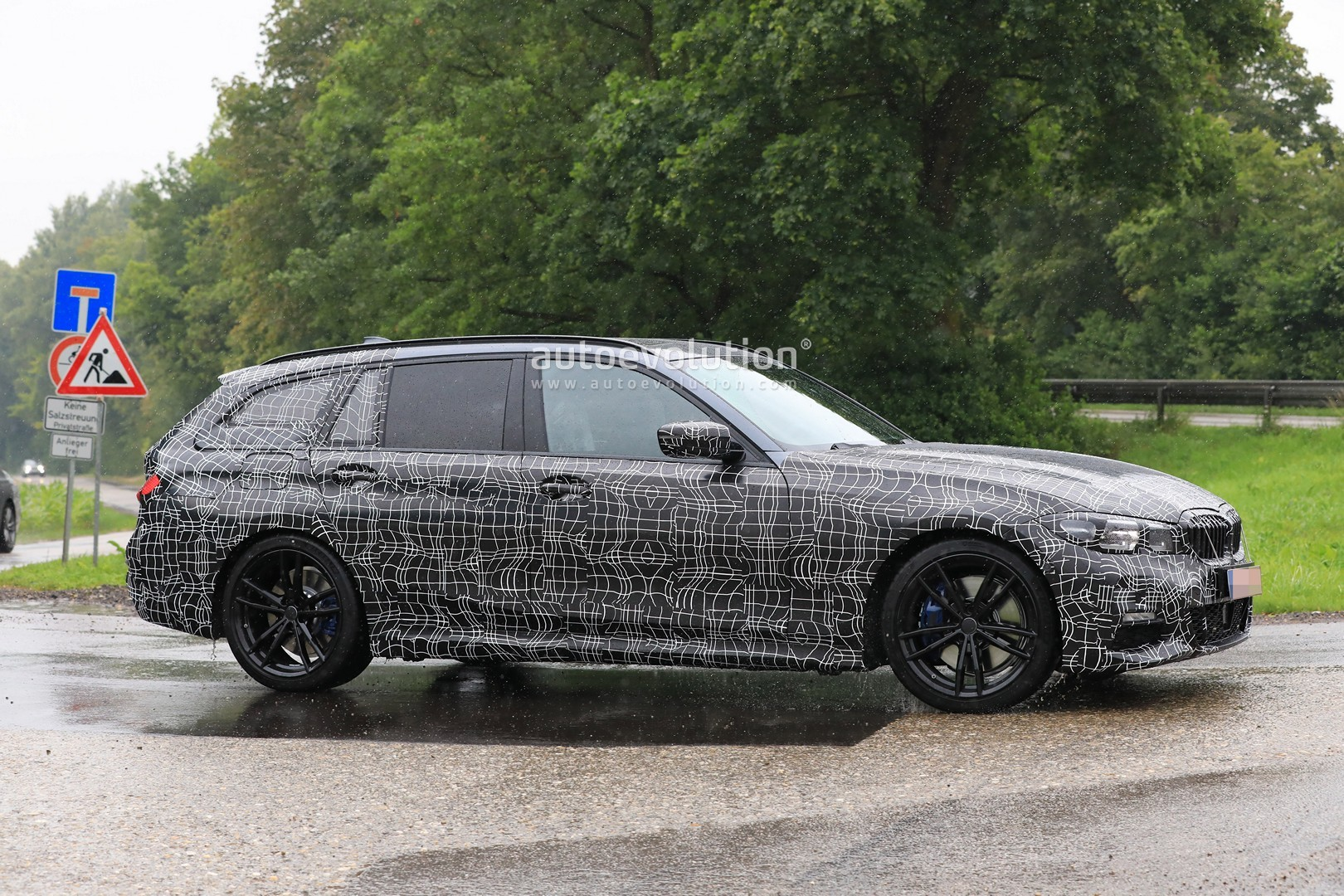 G21 BMW 3 Series Wagon Spied in Detail With M Sport Body ...