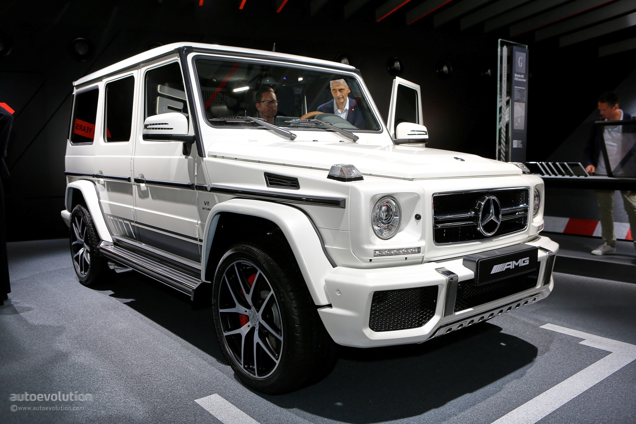 mercedes amg goes exclusive with g63 and g65 at iaa 2017 autoevolution. Black Bedroom Furniture Sets. Home Design Ideas