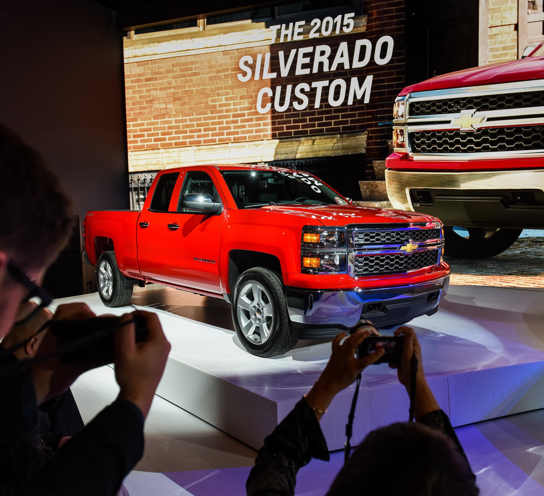 General motors recalling 1 2 million pickup trucks suvs for General motors news today