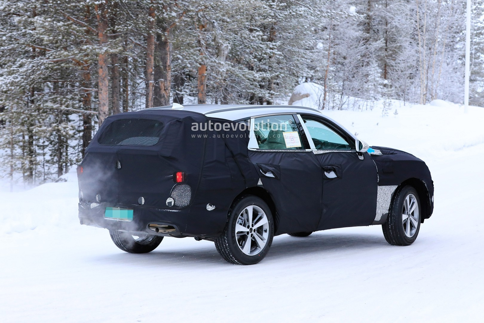 2019 - [Genesis] SUV GV80 - Page 2 Genesis-gv80-suv-prototype-makes-production-spyshots-debut_12