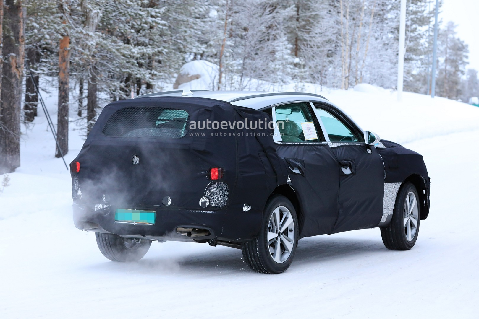 2019 - [Genesis] SUV GV80 - Page 2 Genesis-gv80-suv-prototype-makes-production-spyshots-debut_13