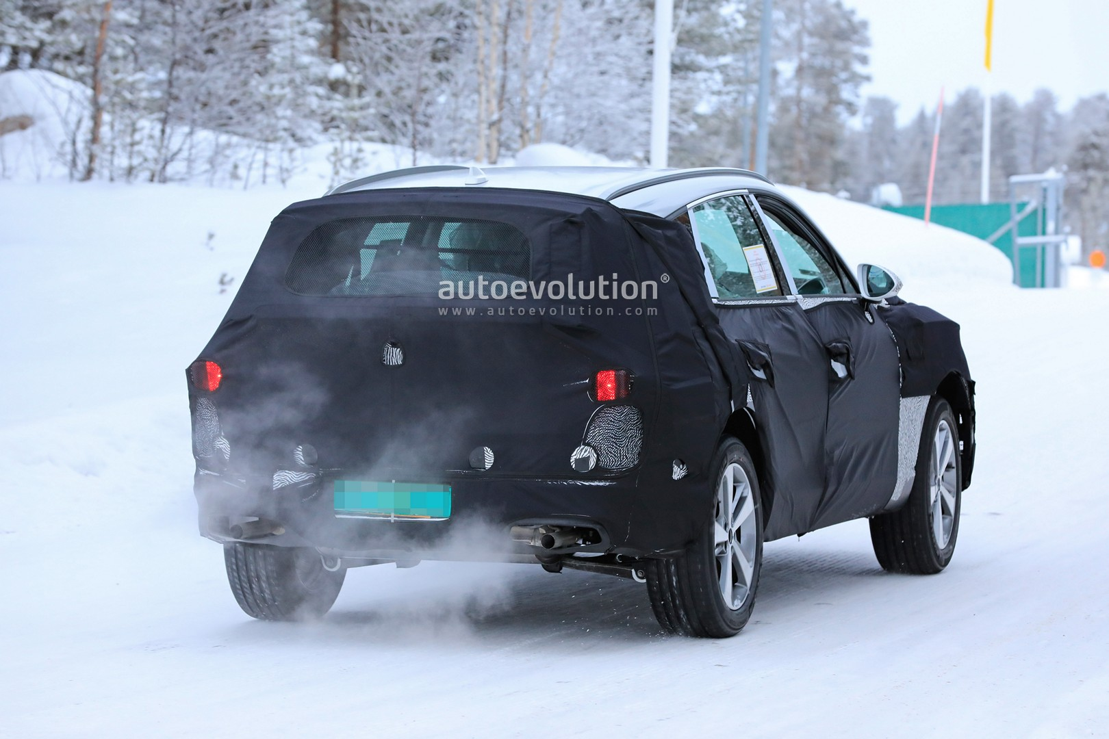 2019 - [Genesis] SUV GV80 - Page 2 Genesis-gv80-suv-prototype-makes-production-spyshots-debut_14