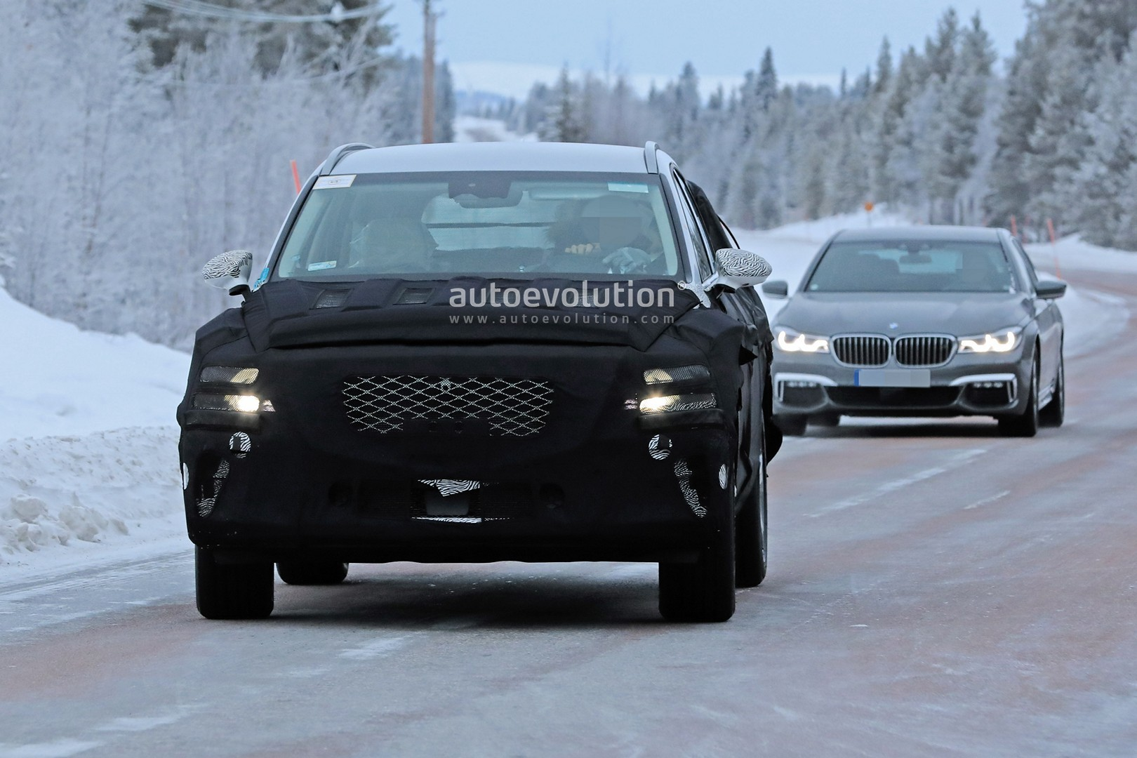 2019 - [Genesis] SUV GV80 - Page 2 Genesis-gv80-suv-prototype-makes-production-spyshots-debut_2