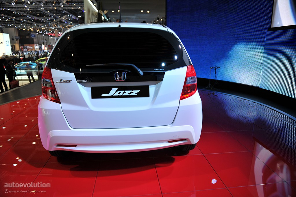 Geneva 2011 Honda Jazz Hybrid Live Photos Autoevolution
