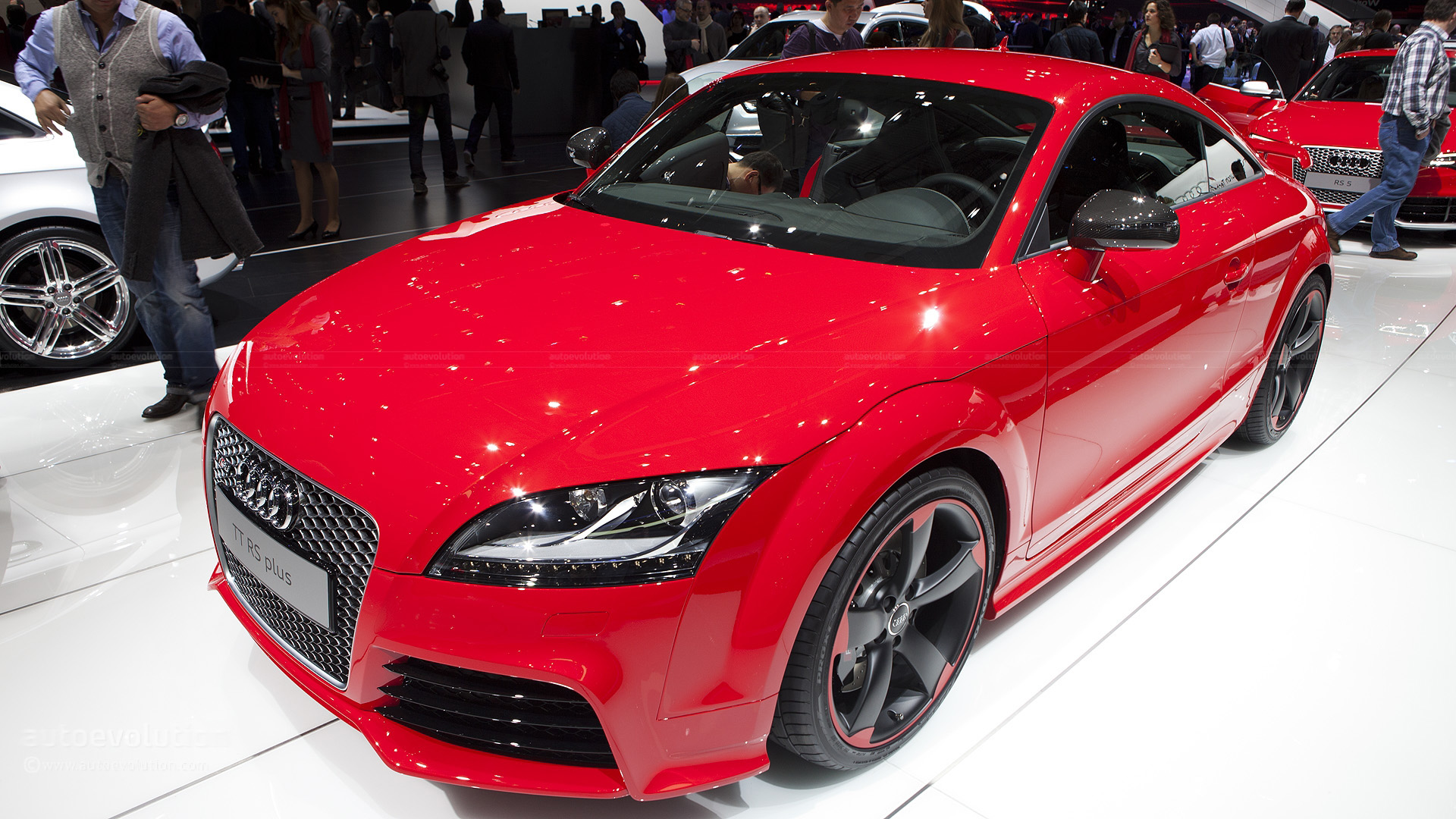 geneva 2012 audi tt rs plus live photos autoevolution. Black Bedroom Furniture Sets. Home Design Ideas