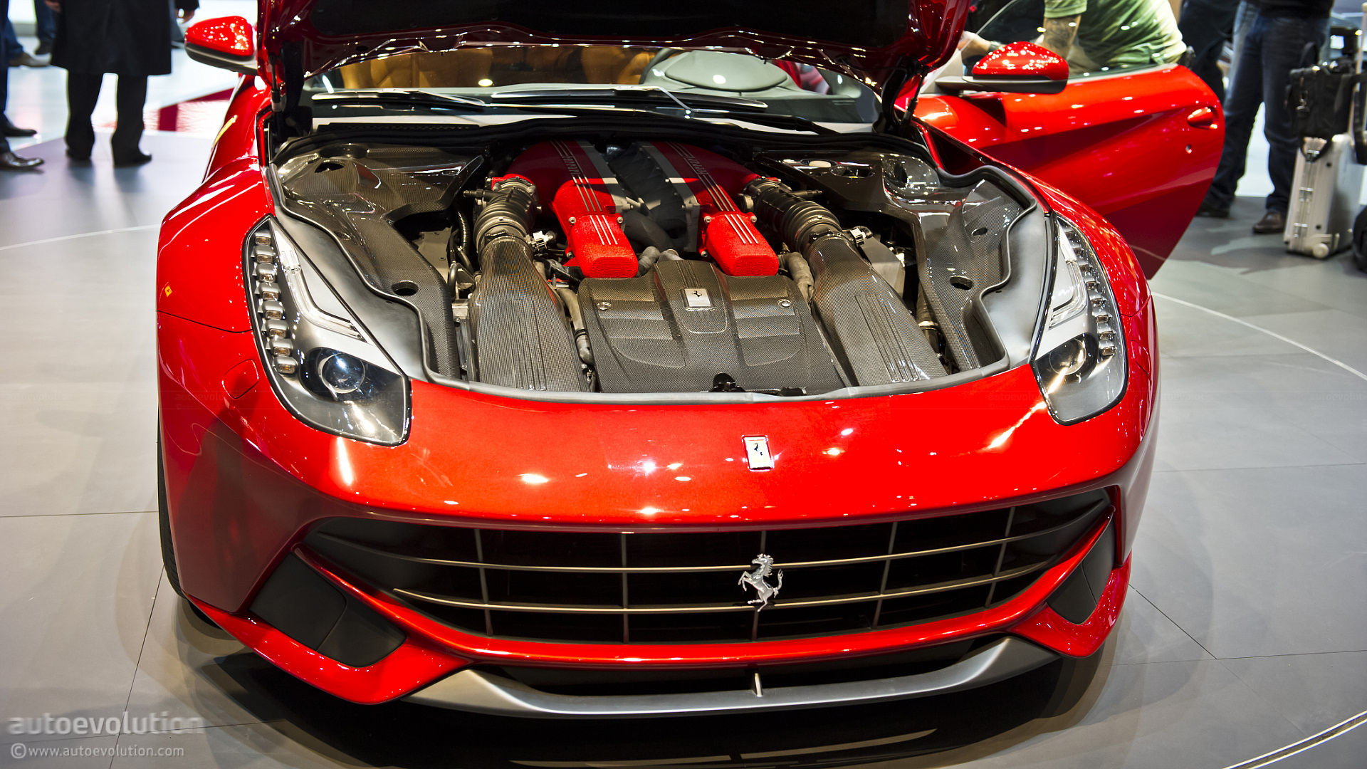geneva 2012 ferrari f12 berlinetta live photos autoevolution. Black Bedroom Furniture Sets. Home Design Ideas