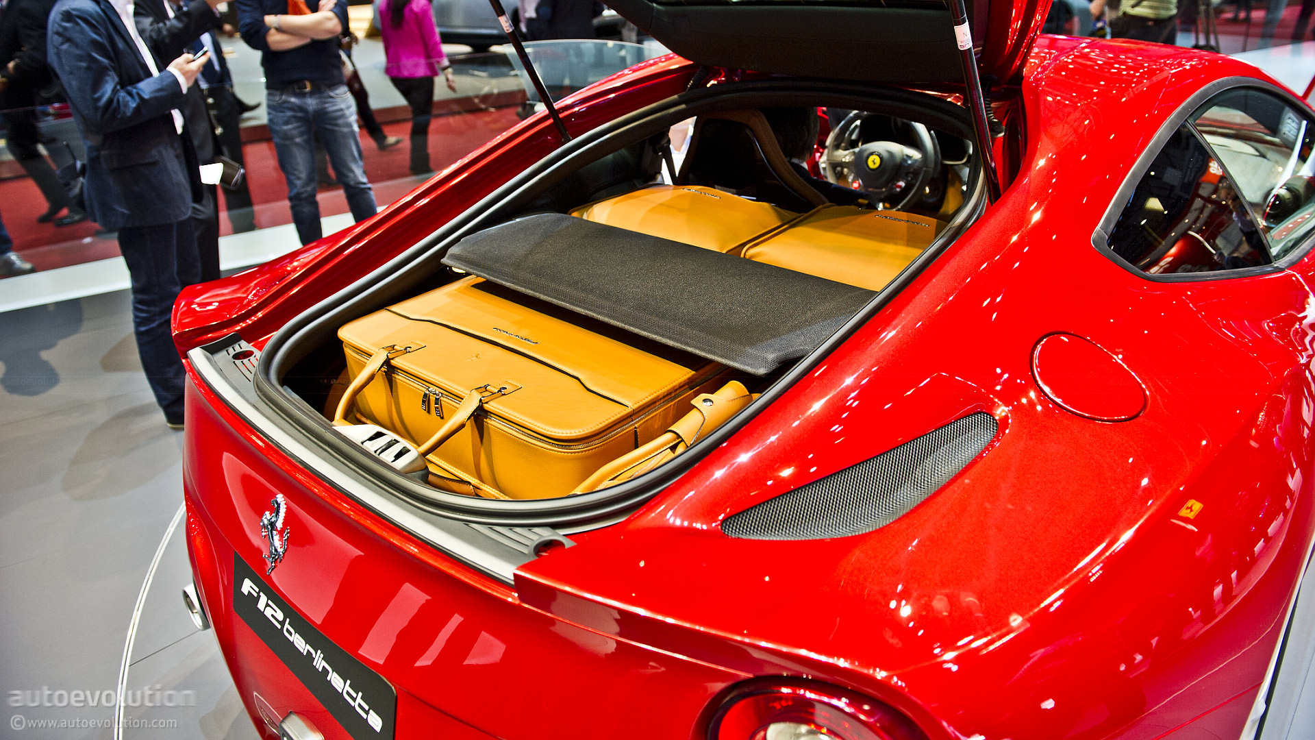 Ferrari F12 Berlinetta fitted luggage
