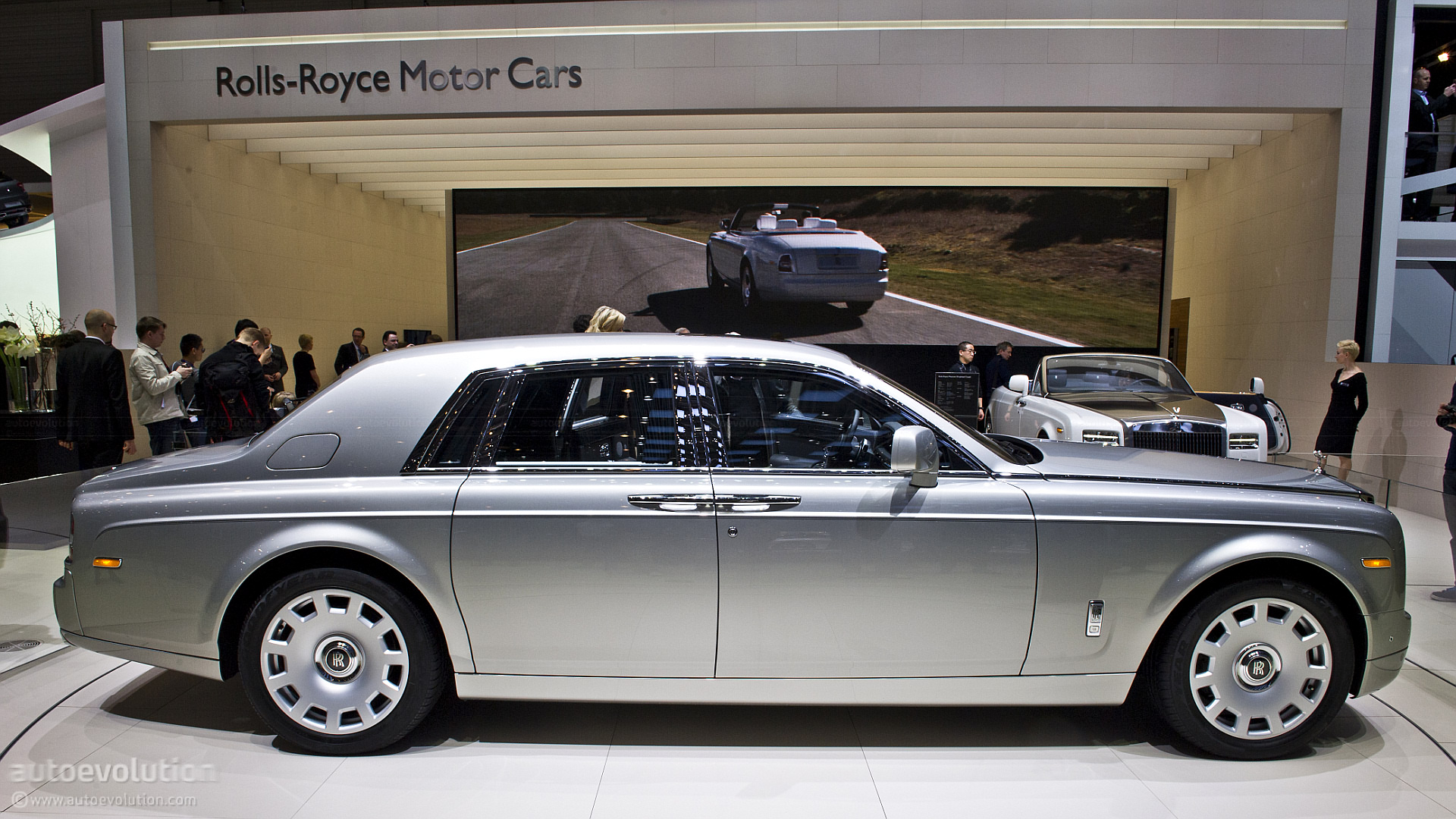 Geneva 2012 Rolls Royce Phantom Facelift Live Photos