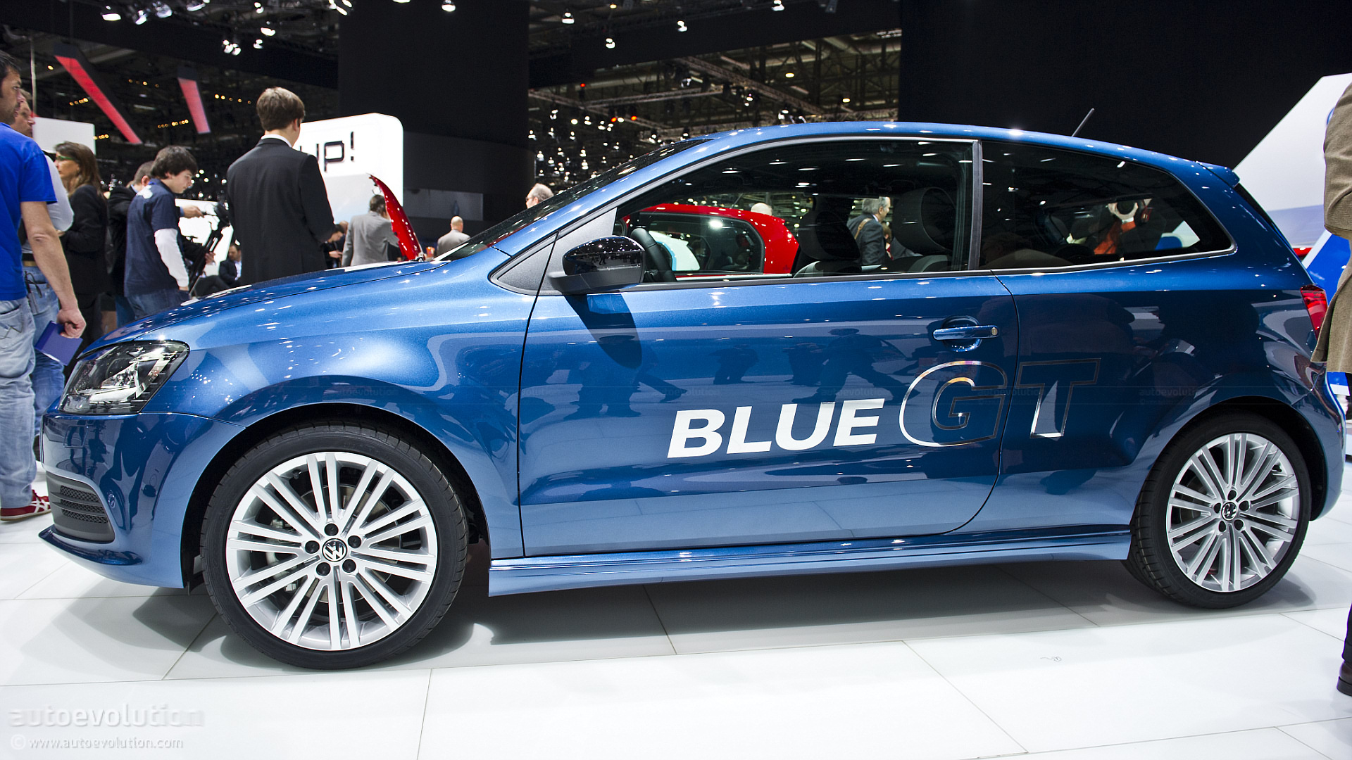 Geneva Volkswagen Polo Bluegt Live Photos on Car Engine As Well Audi 4 Cylinder On