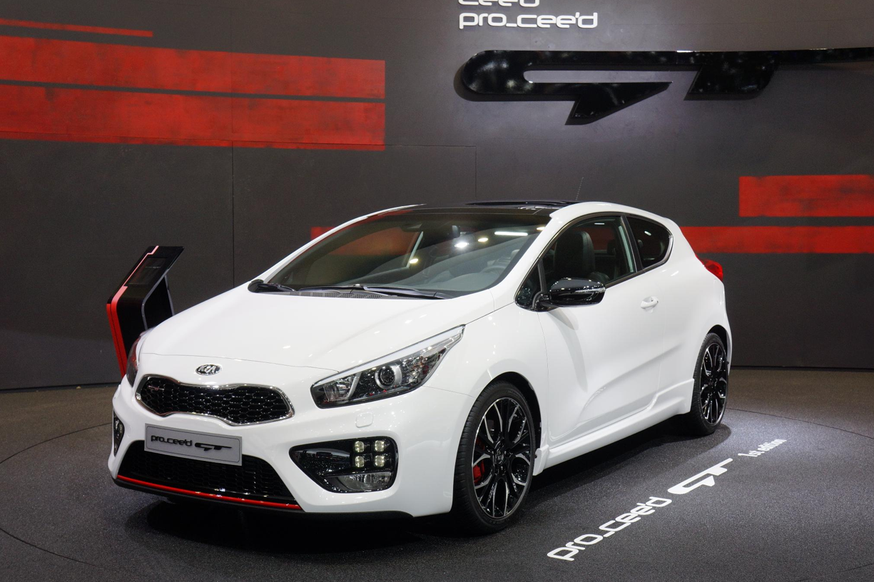 [Image: geneva-2013-kia-proceed-gt-and-ceed-gt-v...otos_1.png]