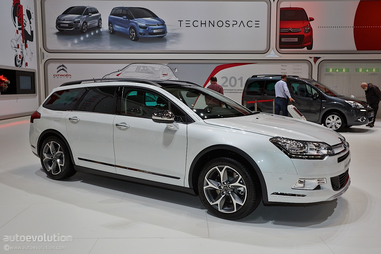 geneva 2014 citroen c5 crosstourer live photos. Black Bedroom Furniture Sets. Home Design Ideas