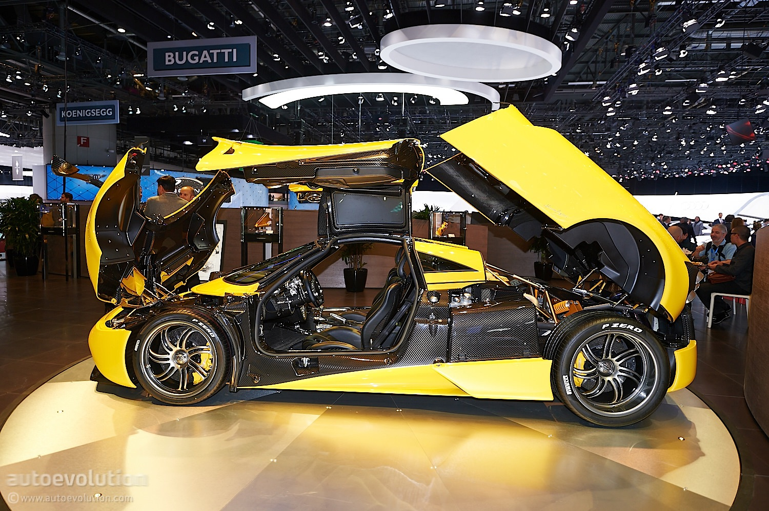 Geneva 2014 Yellow Pagani Huayra Is A Big Show Off Live