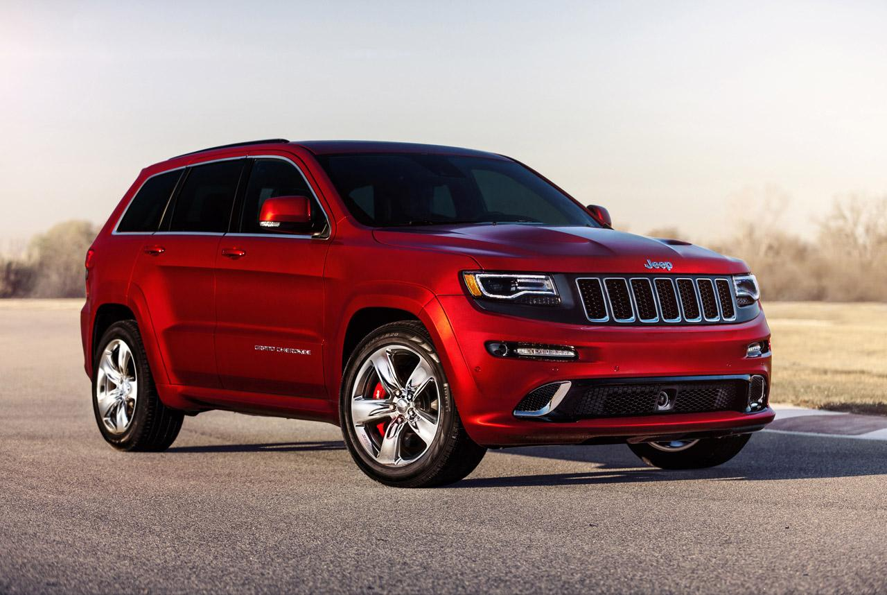 get out of the way the 2014 jeep grand cherokee srt8 is here autoevolution. Black Bedroom Furniture Sets. Home Design Ideas