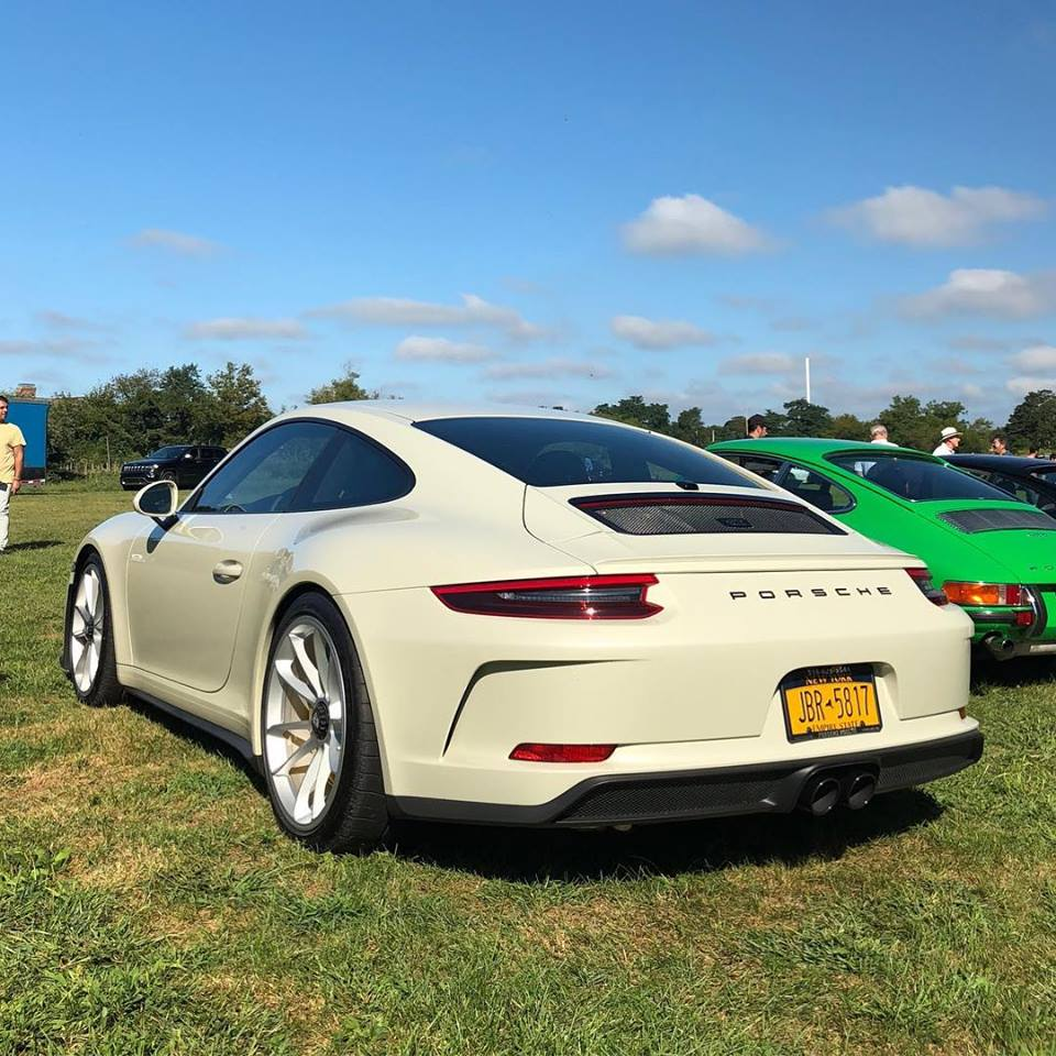 olive green 2018 porsche 911 gt3 touring package begs for a getaway in stockholm autoevolution. Black Bedroom Furniture Sets. Home Design Ideas