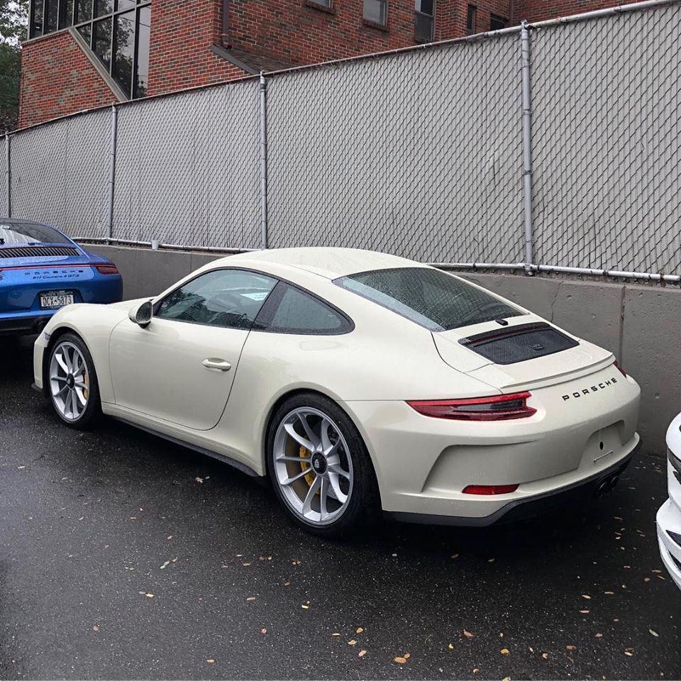 Porsche 911 Gt3: Geyser Grey 2018 Porsche 911 GT3 Touring Looks Stealth