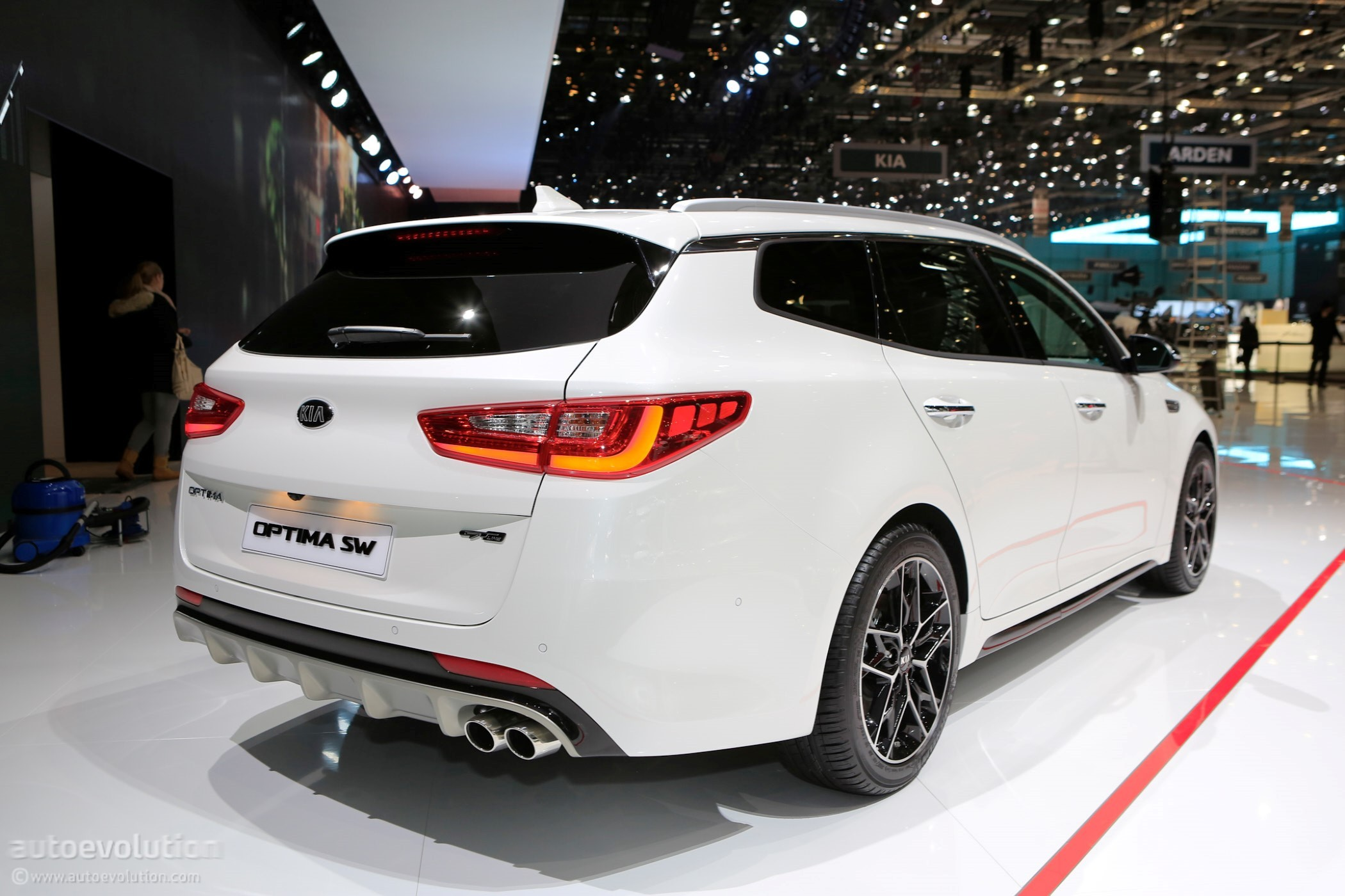 2018 Kia Optima Sw Live At Geneva Motor Show