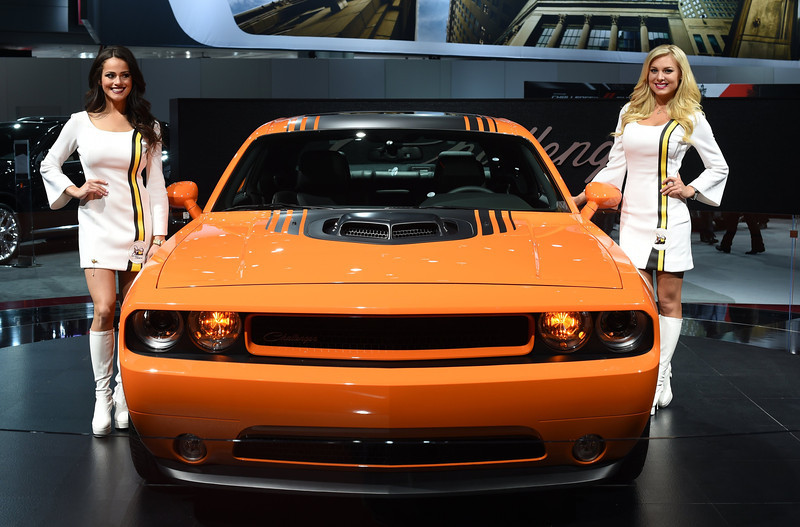 hot girls of the 2014 new york auto show  live photos
