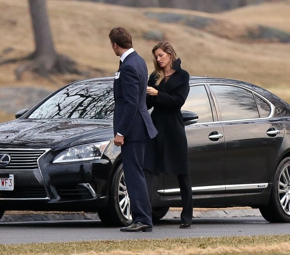 Gisele Bunchen And Tom Brady Enjoy Date Night Drive Lexus