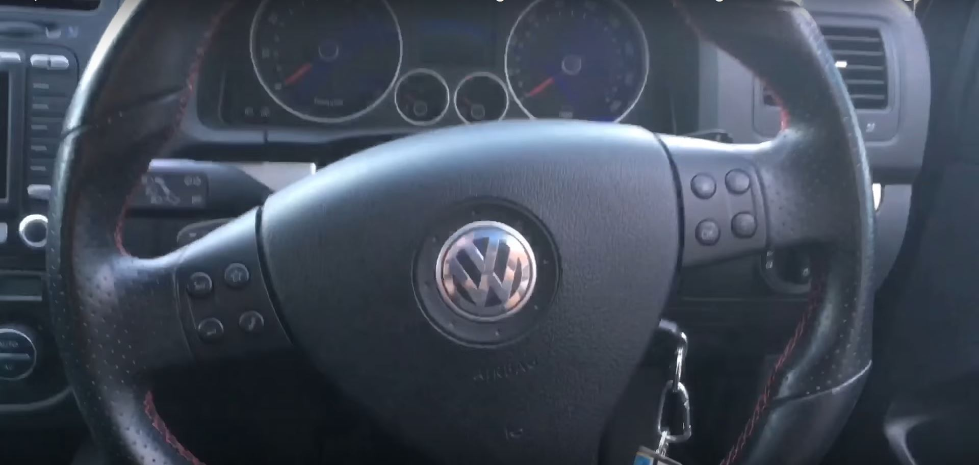 Golf 5 GTI Flat-Bottom Steering Wheel and Color MFD