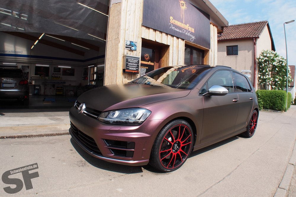 Volkswagen Golf R в виниле от SchwabenFolia