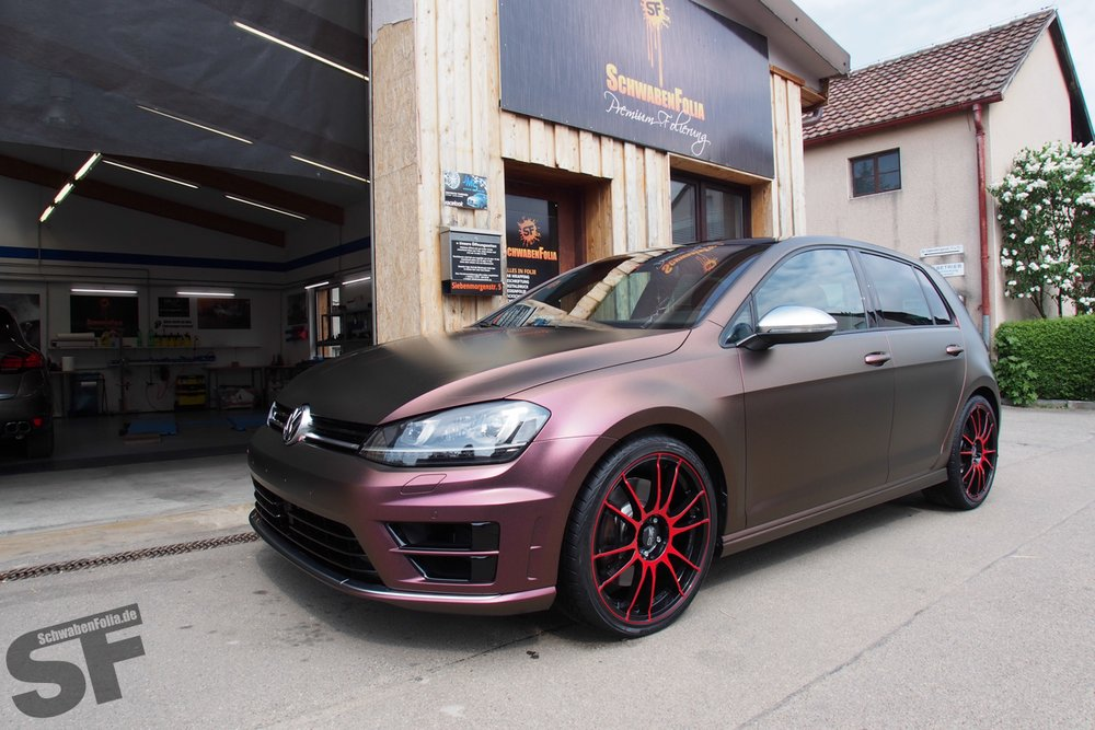 golf 7 r wrapped in sparkling berry matte autoevolution. Black Bedroom Furniture Sets. Home Design Ideas