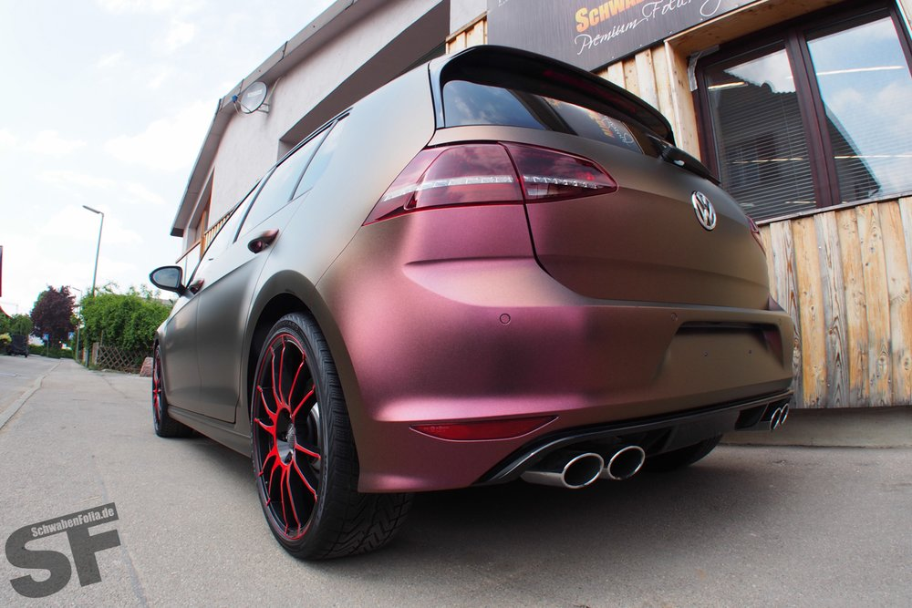 Golf 7 R Wrapped In Sparkling Berry Matte Autoevolution