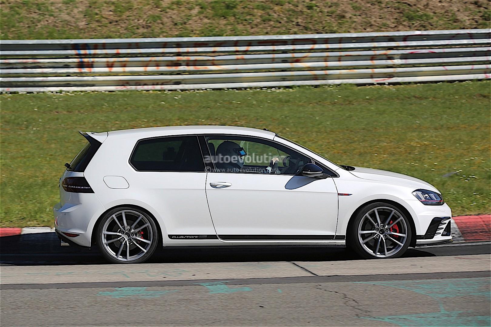 volkswagen testing enhanced golf gti clubsport on the nurburgring autoevolution. Black Bedroom Furniture Sets. Home Design Ideas