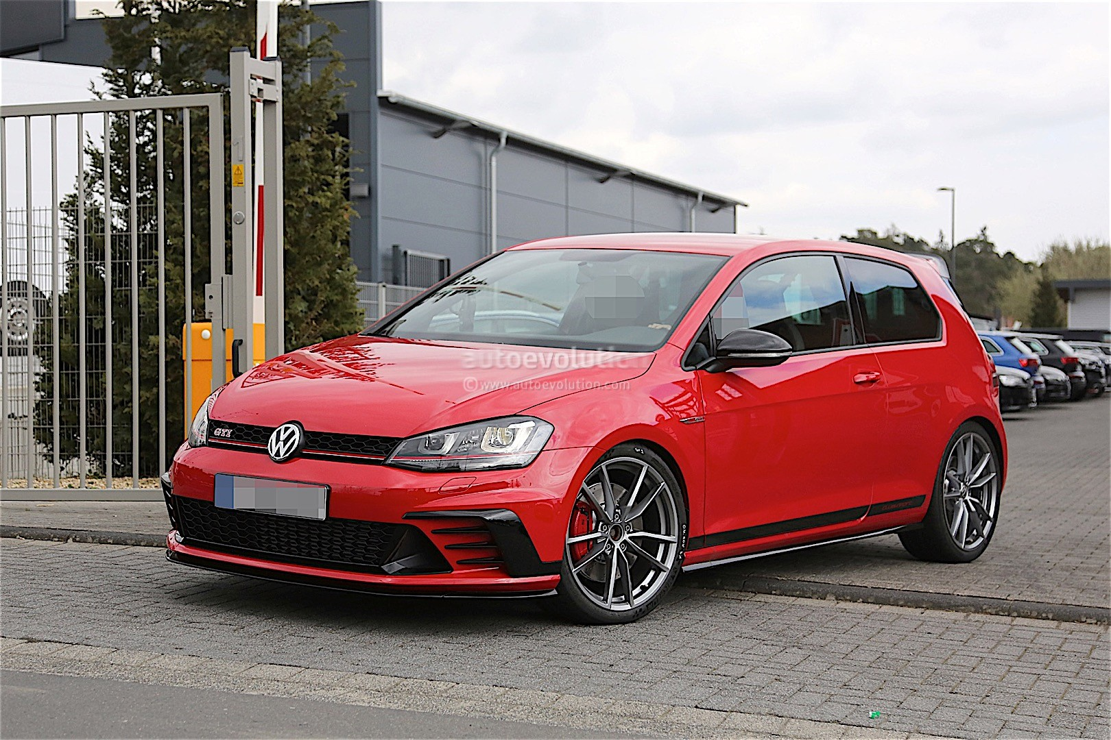 volkswagen testing enhanced golf gti clubsport on the nurburgring autoevolution. Black Bedroom Furniture Sets. Home Design Ideas