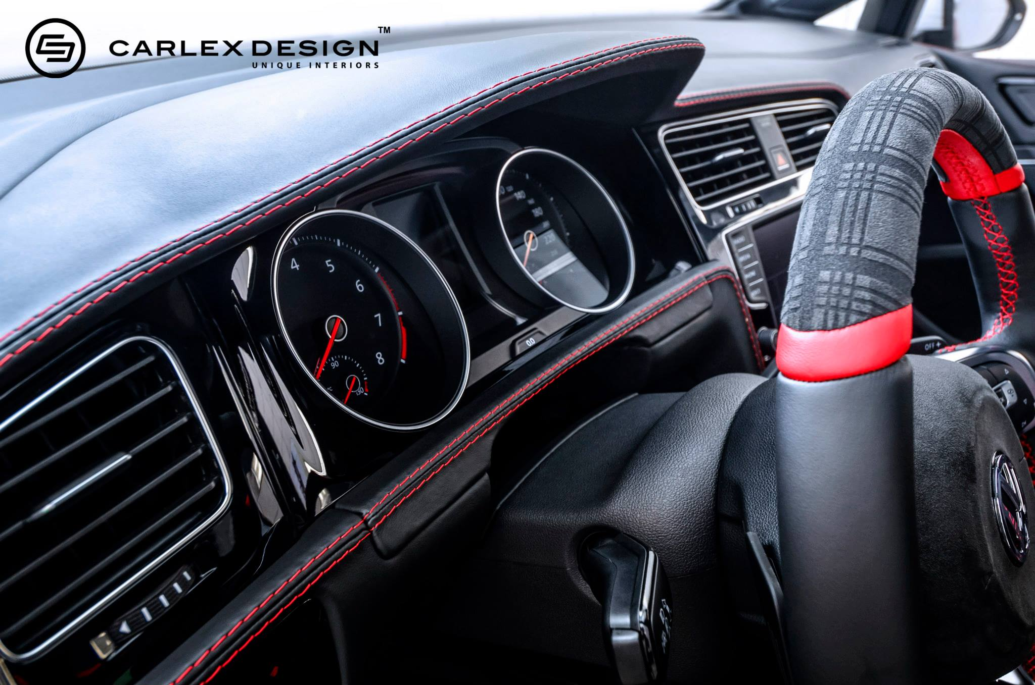 golf gti gets fresh spin on tartan interior from carlex autoevolution. Black Bedroom Furniture Sets. Home Design Ideas