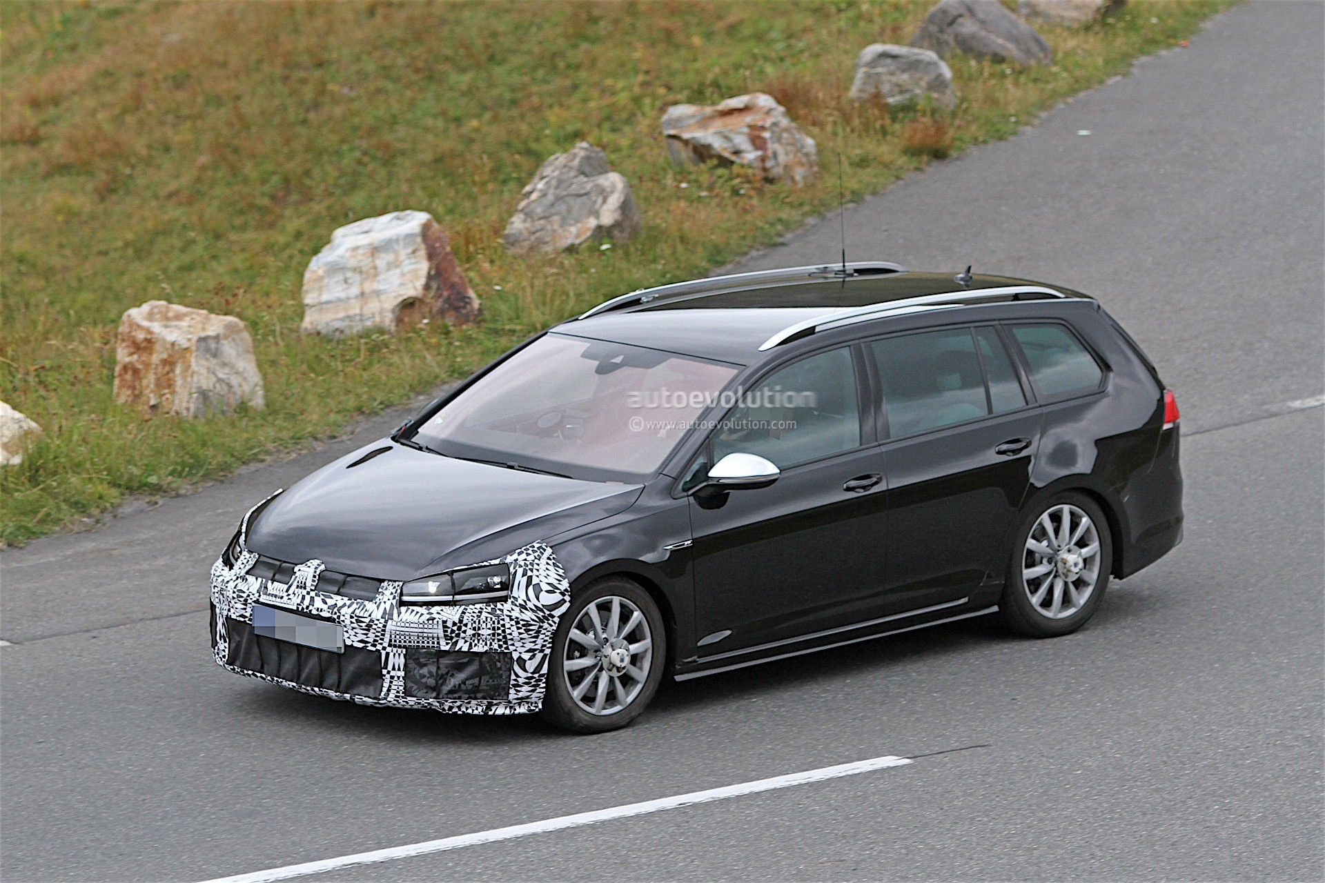 Volkswagen Golf 8 Coming in 2017, Will Be Based on MQB