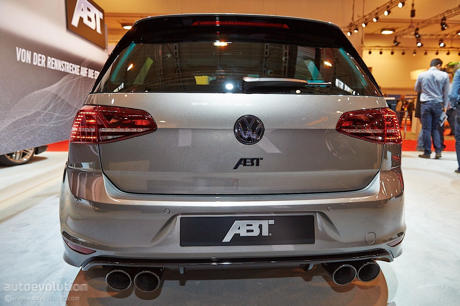 golf r goes mental with 400 hp tuning kit from abt in. Black Bedroom Furniture Sets. Home Design Ideas