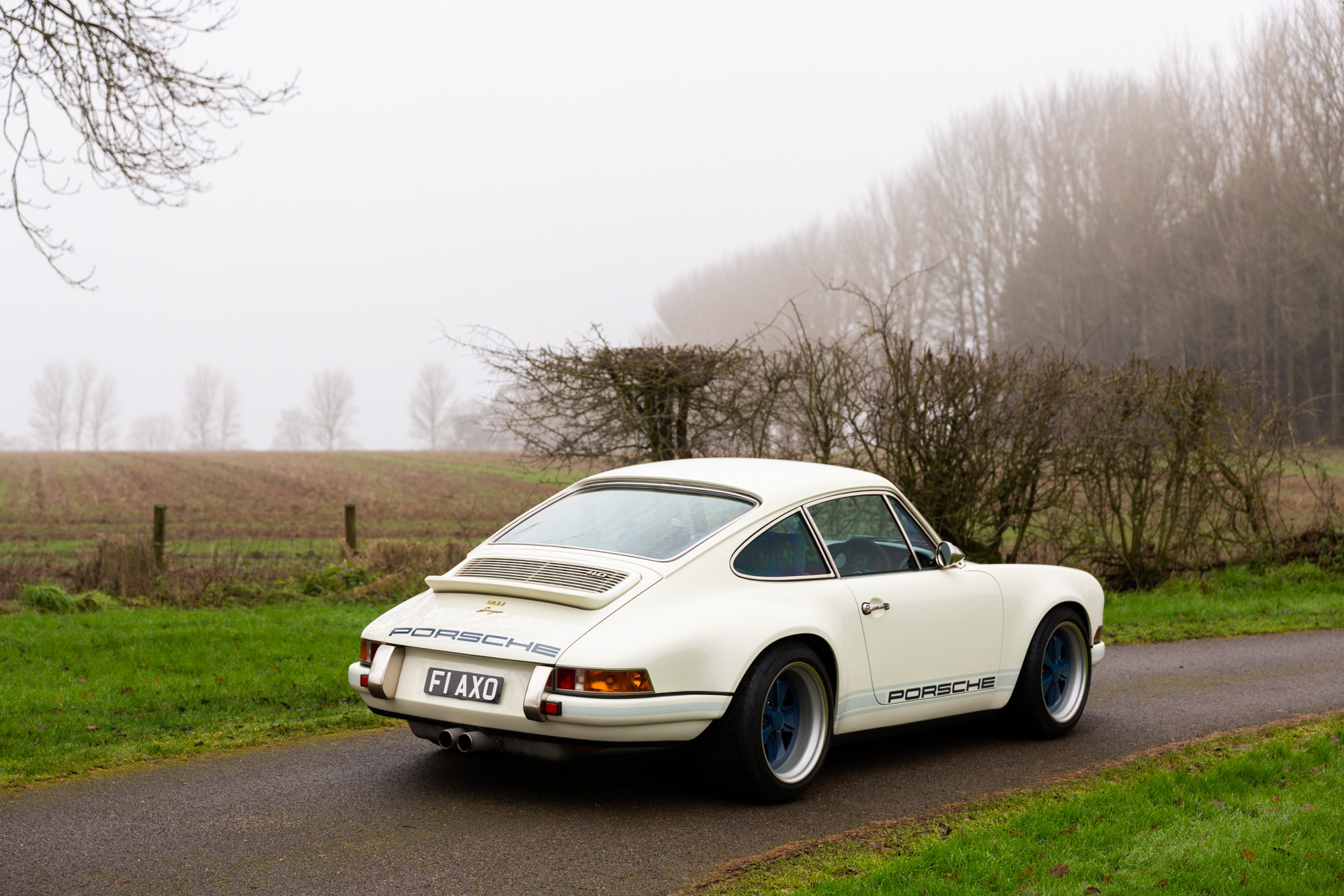 Gorgeous Rhd Singer 911 Sells For Record Amount In The Uk Autoevolution