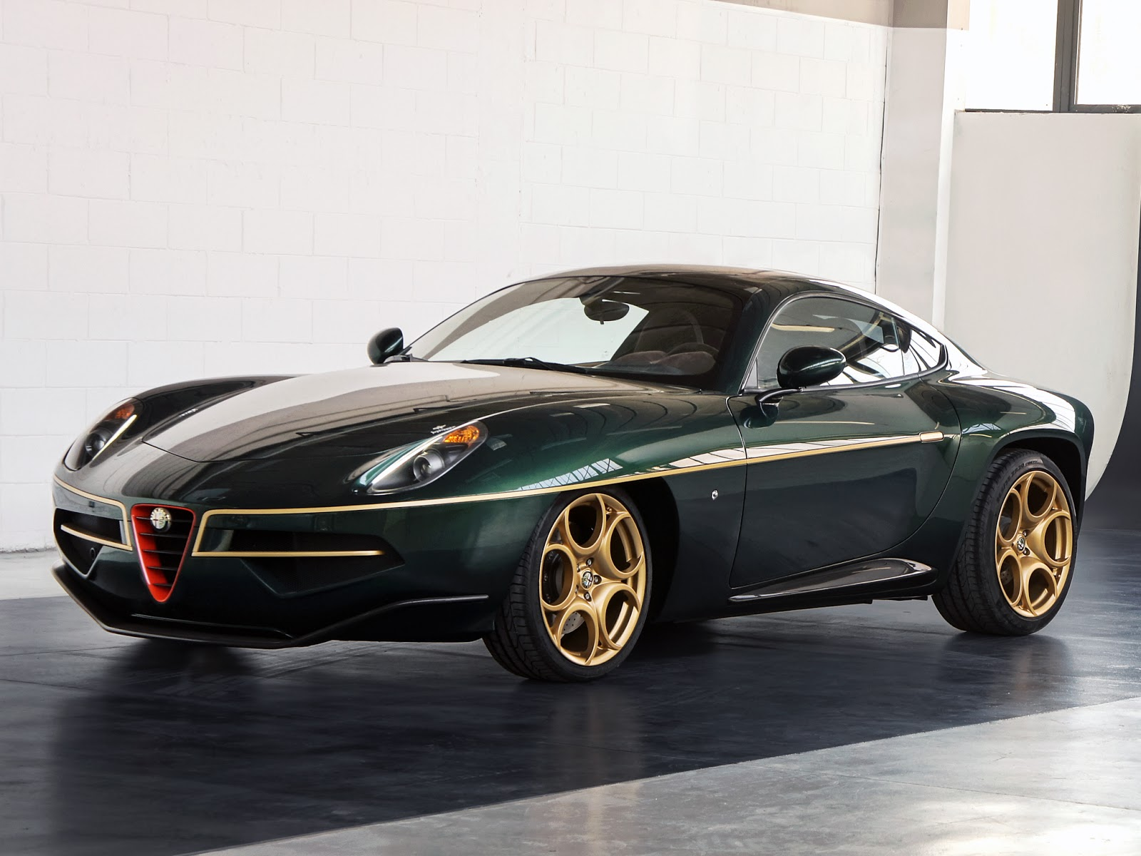 Green and Gold Alfa Romeo Disco Volante Arrives in Geneva ...